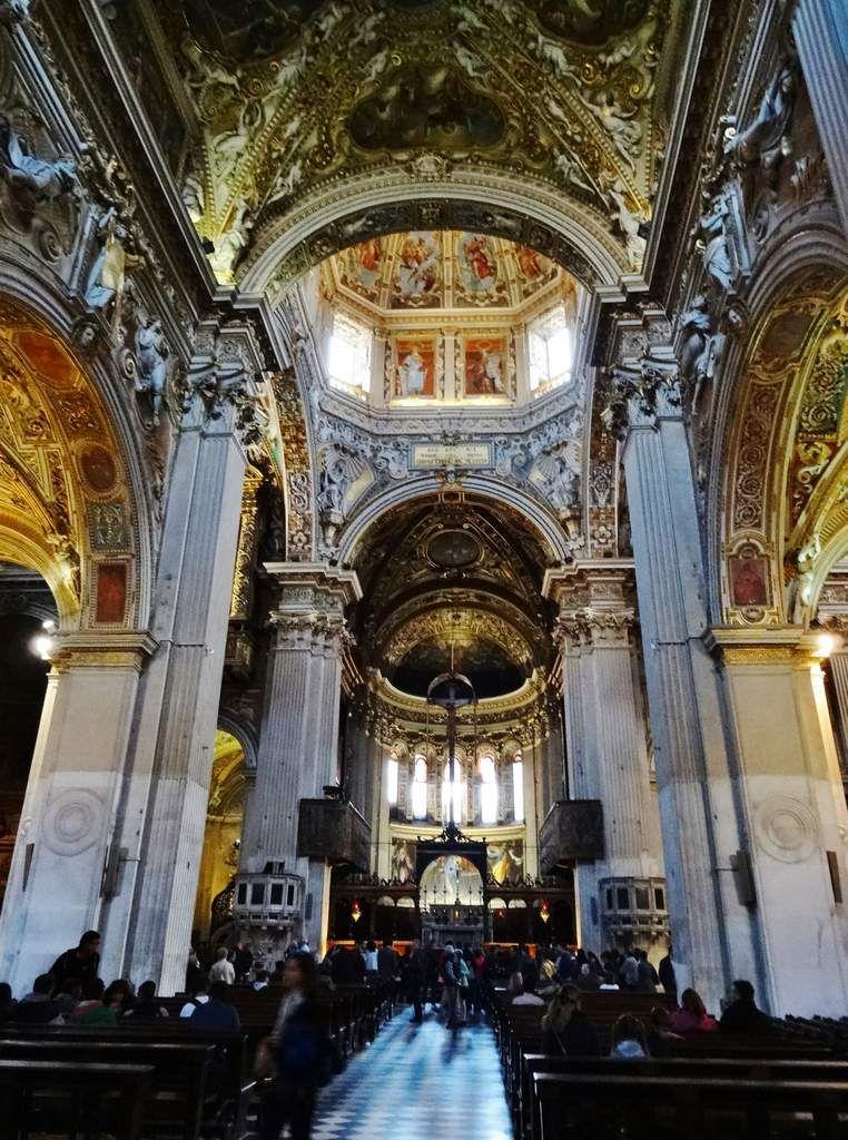 La Chapelle renferme le tombeau du compositeur Donizetti