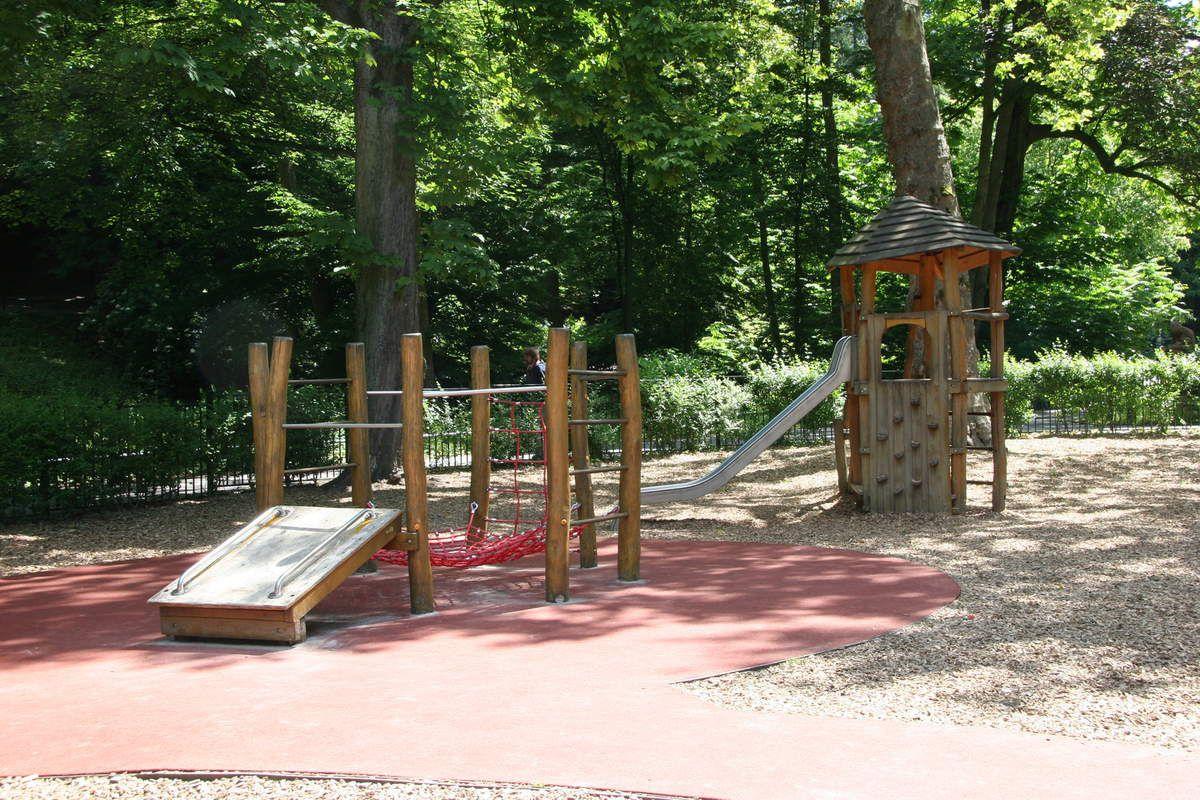 """La plaine de jeux """"Fond de vallée"""" du parc Josaphat est prête à accueillir les enfants cet été!"""
