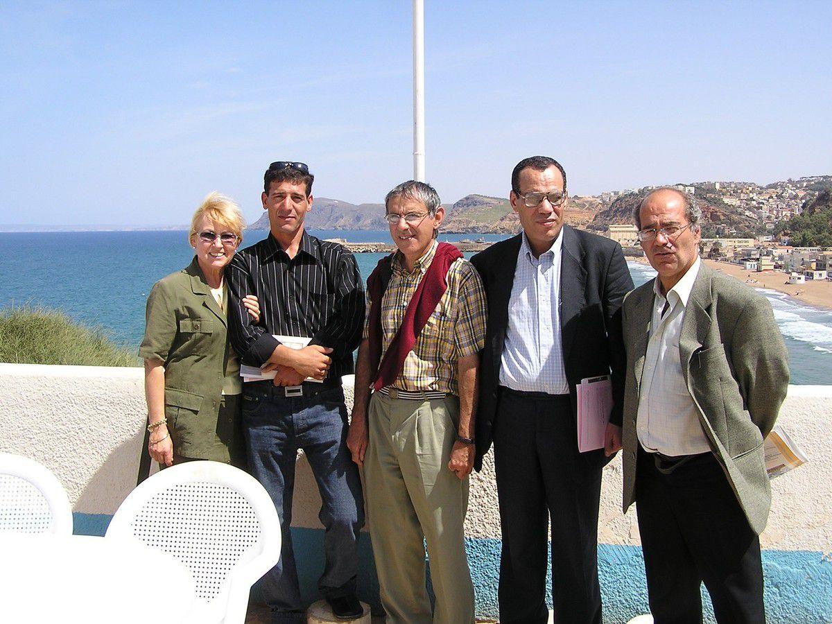 Aux journées Sénac, à Beni-Saf en septembre 2004. On reconnai^t Odile Teste, Saleh, Jean-Pierre Bénisti, Hamid Nacer-Khodja et Guy Dugas