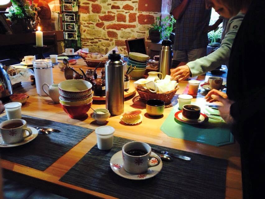 Les photos de Kiki: le petit déjeuner à La Mérelle de Collonges la Rouge, en Vallée de la Dordogne.