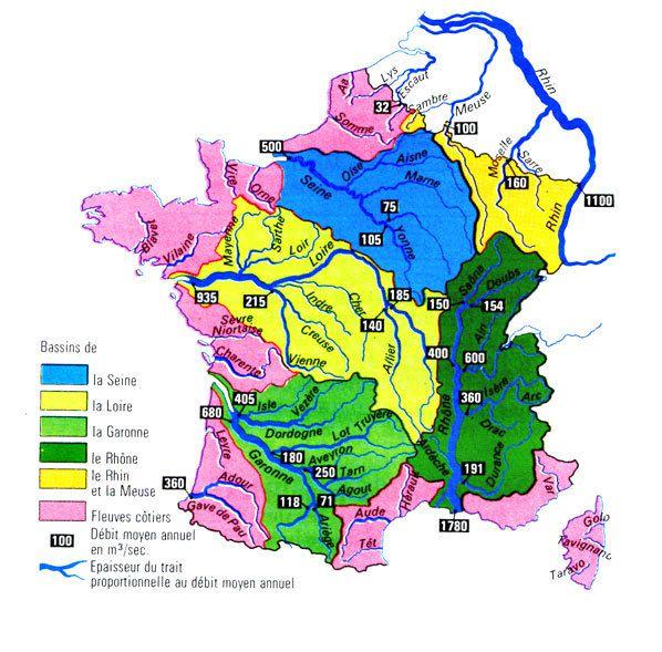 Voyages avec un vélo autour du point de partage des eaux des bassins de la Méditerrannée, de la Loire et de la Garonne