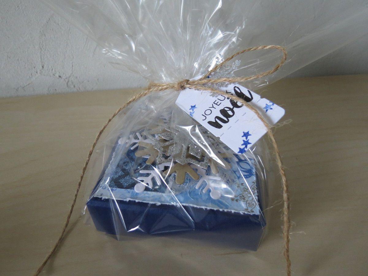 Boîte étiquettes cadeau