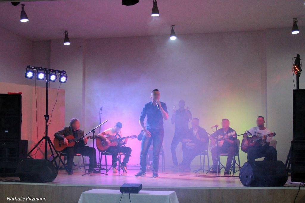 Grup İspanyol'dan müzik ziyafeti İstanbul'da Maltepe'de yabanci uyruklu cezaevinde