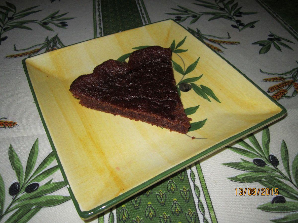 Un gâteau moelleux et aérien mêlant à merveille le chocolat praliné et la saveur de la noisette.