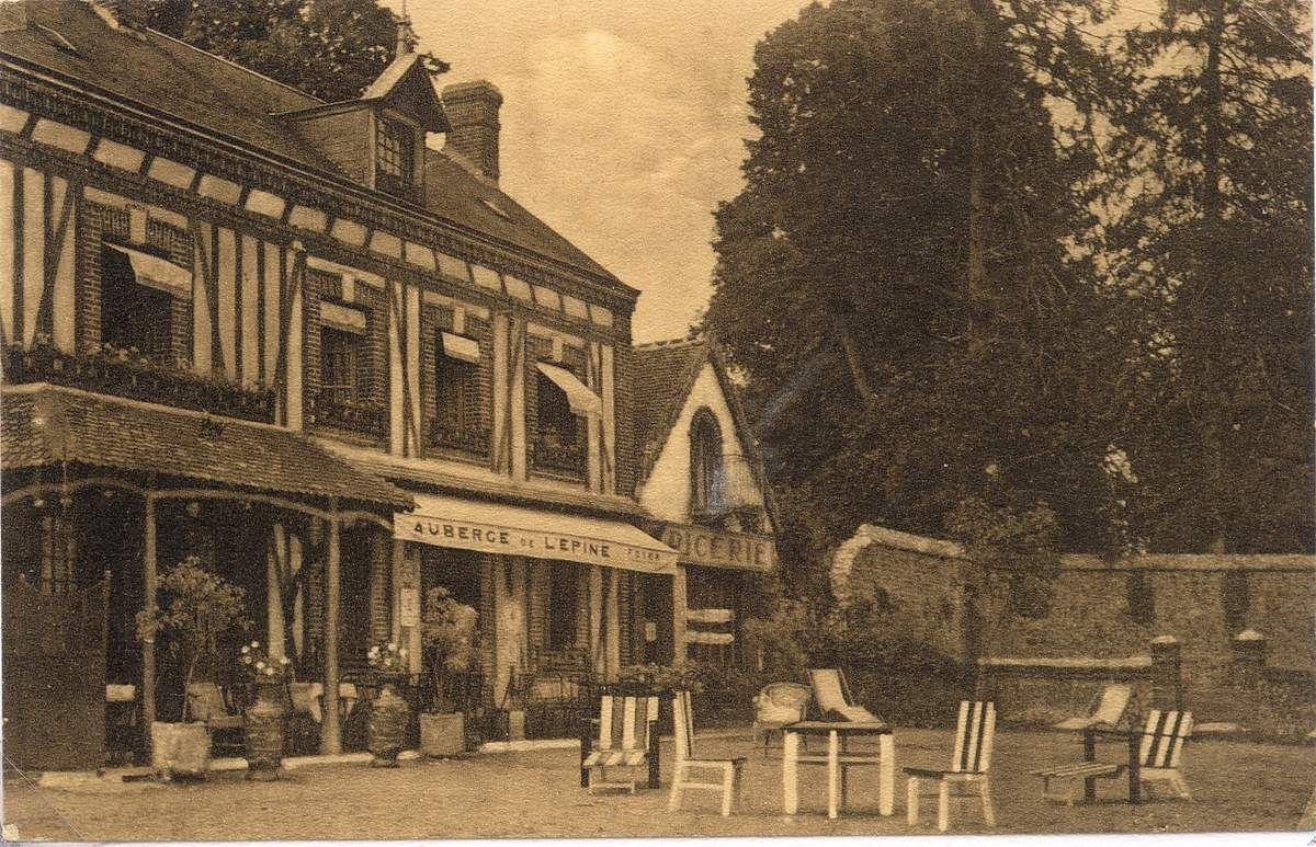 Cartes postales... au restaurant à Thubeuf.