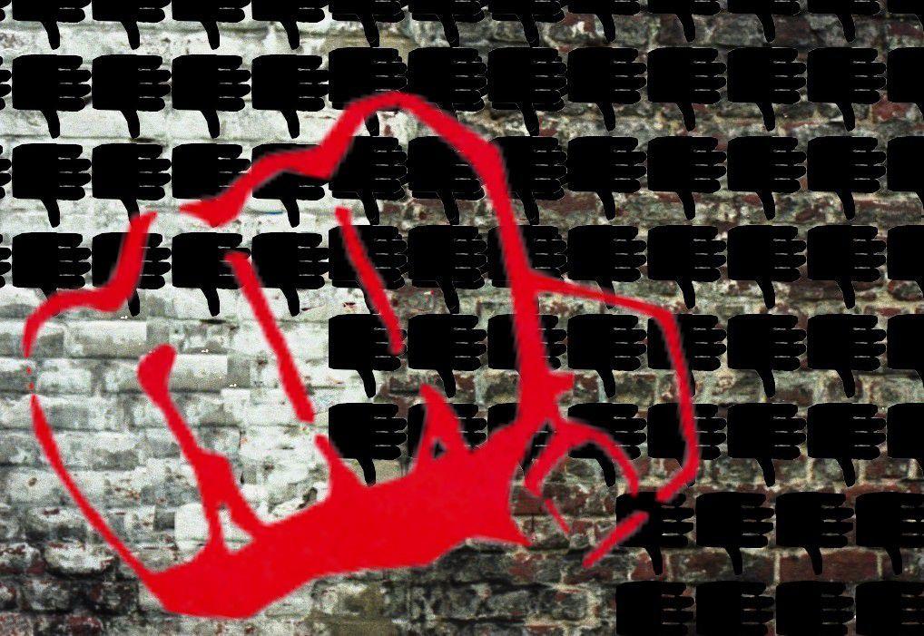 Coup de pouce VS coup de poing - Image Catherine Gheselle