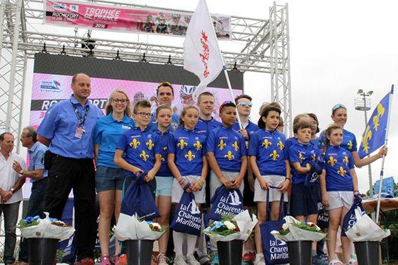 L'équipe IDF sur le podium final du TFJC 2016 avec Océane GOERGEN (photo : stsport.fr)