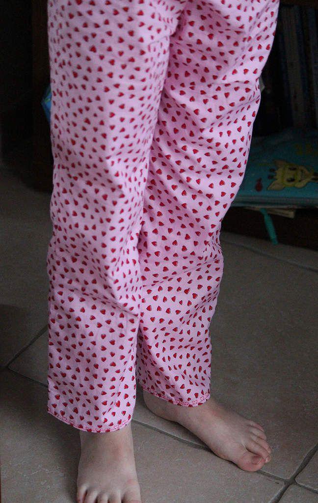 Patron Les Intemporels pour Enfants - taille 8 ans rallongée de je ne sais plus combien de cm car ma mini-zobette a des jambes interminables...