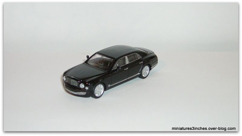 Bentley Mulsanne  by  Kyosho