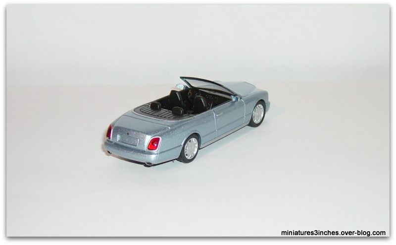 Bentley  Azure  by  Kyosho