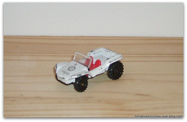 custom van et Beach Buggy &quot&#x3B;police&quot&#x3B;  by PlayArt.