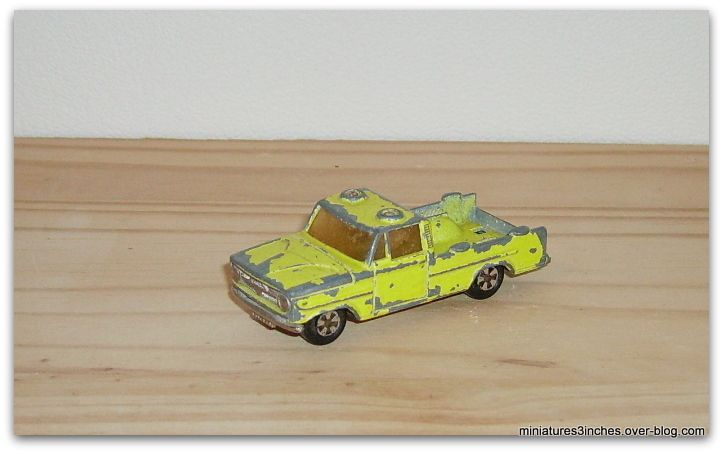 Dodge Safari et Autres Versions... by Majorette.