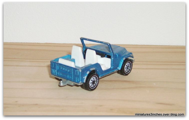 Jeep CJ-5   by  Siku.