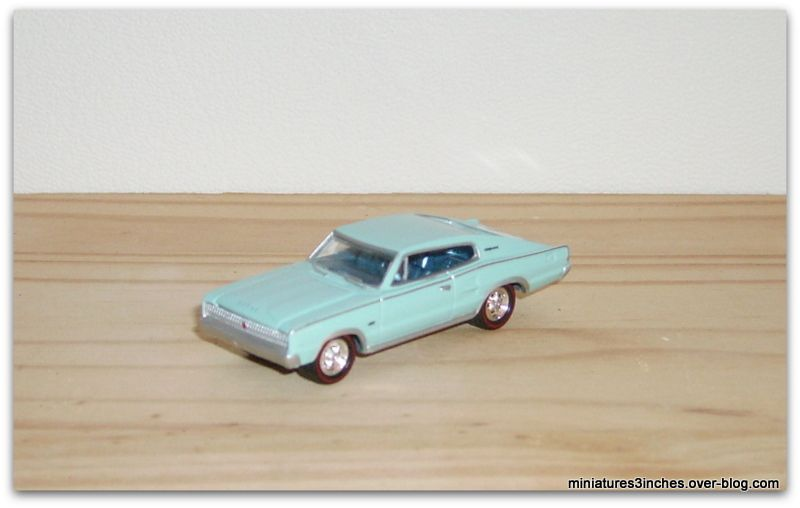 Dodge charger 1967  by  Johnny Lightning.