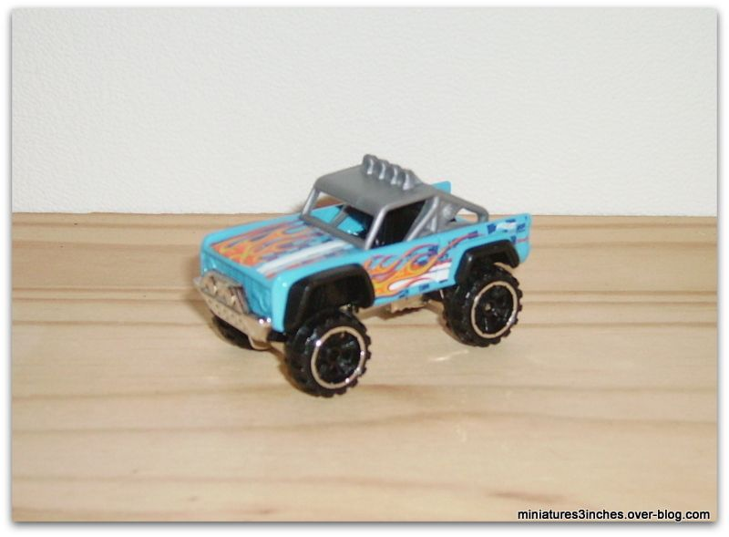 Custom Ford Bronco by Hot Wheels.