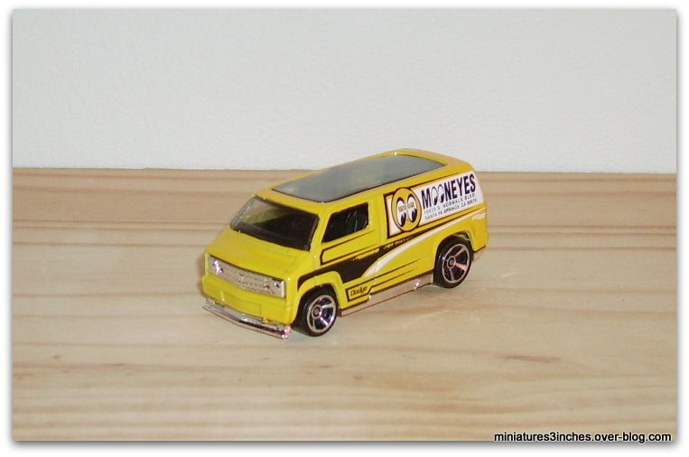 '77 Custom Dodge Van by Hot Wheels