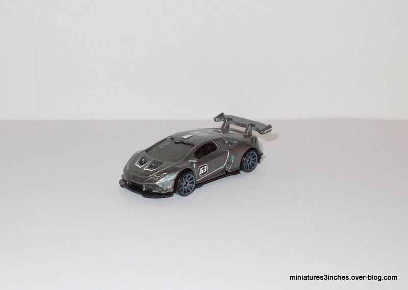 Lamborghini Huracan LP 620-2 Super Trofeo   by  Hot Wheels.
