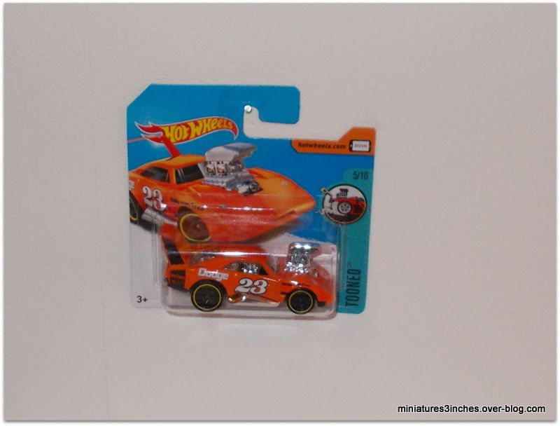 Dodge Daytona 1969/70 &quot&#x3B;tooned&quot&#x3B; by Hot Wheels.