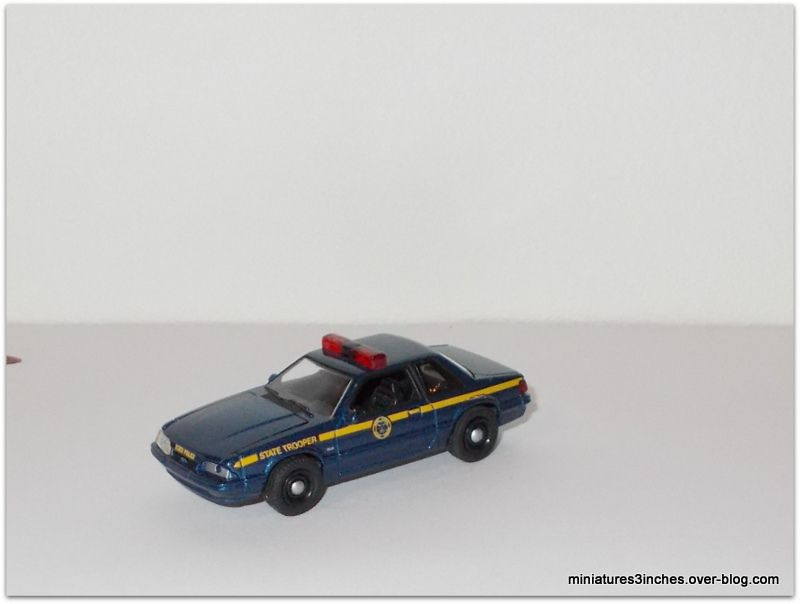 Ford Mustang 1988  by  Greenlight.