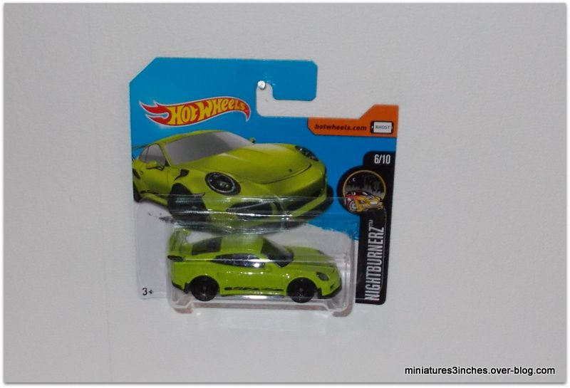 Porsche 911 GT3 RS by Hot Wheels.