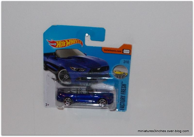 Mustang GT 2015 convertible    by   Hot Wheels.