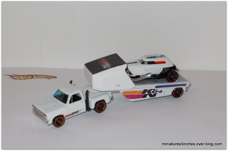 Plateau semi  &quot&#x3B;Team K and N&quot&#x3B;  + Rodtrooper  by  Hot Wheels.
