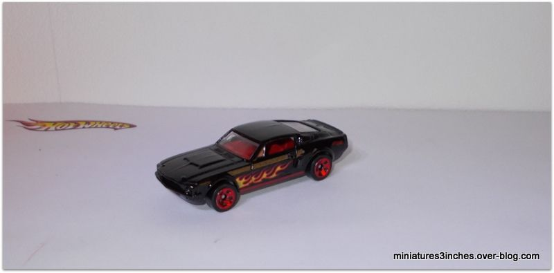 Mustang '67 Shelby GT-500 by Hot Wheels.