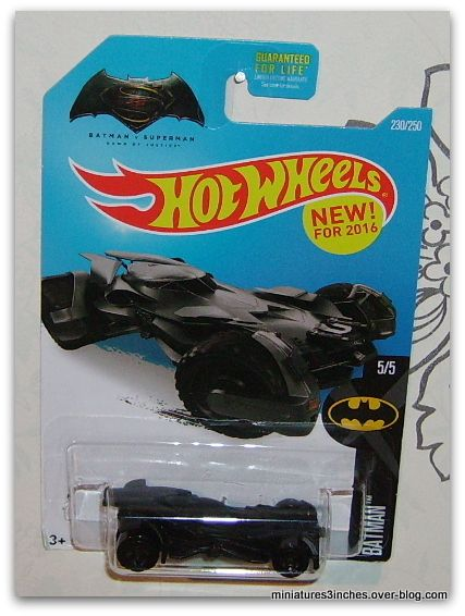 Batmobile  &quot&#x3B;Batman VS Superman&quot&#x3B;  by  Hot Wheels.
