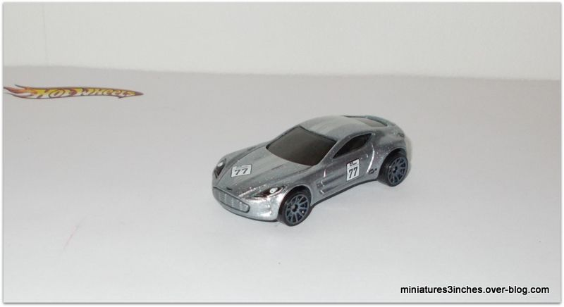 Aston Martin &quot&#x3B;One-77&quot&#x3B; by Hot Wheels.