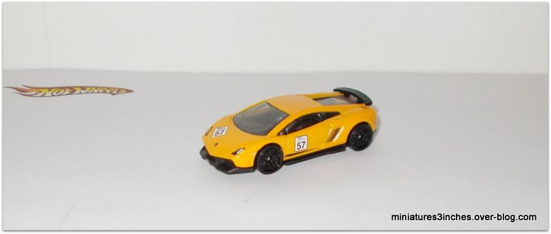 Lamborghini Gallardo LP 570-4 Superleggera by Hot Wheels.