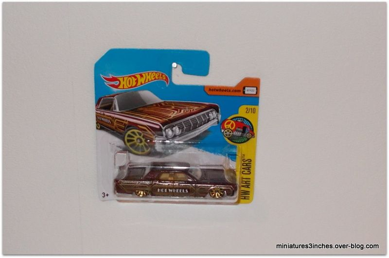 Lincoln continental 1964 by Hot Wheels.