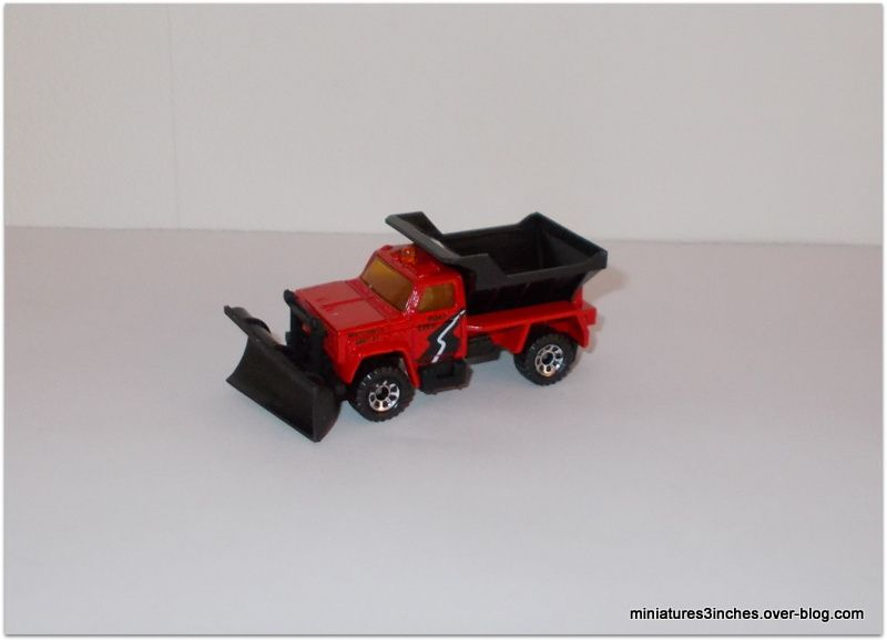 Master 6000 &quot&#x3B;Highway / Plow Master&quot&#x3B; truck by Matchbox.