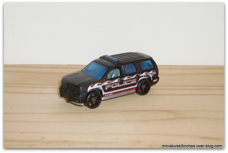 Chevy Tahoe 2007 by Hot Wheels.