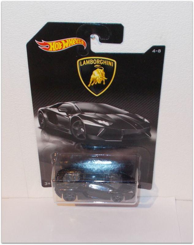 2017 Série Lamborghini  by Hot Wheels.