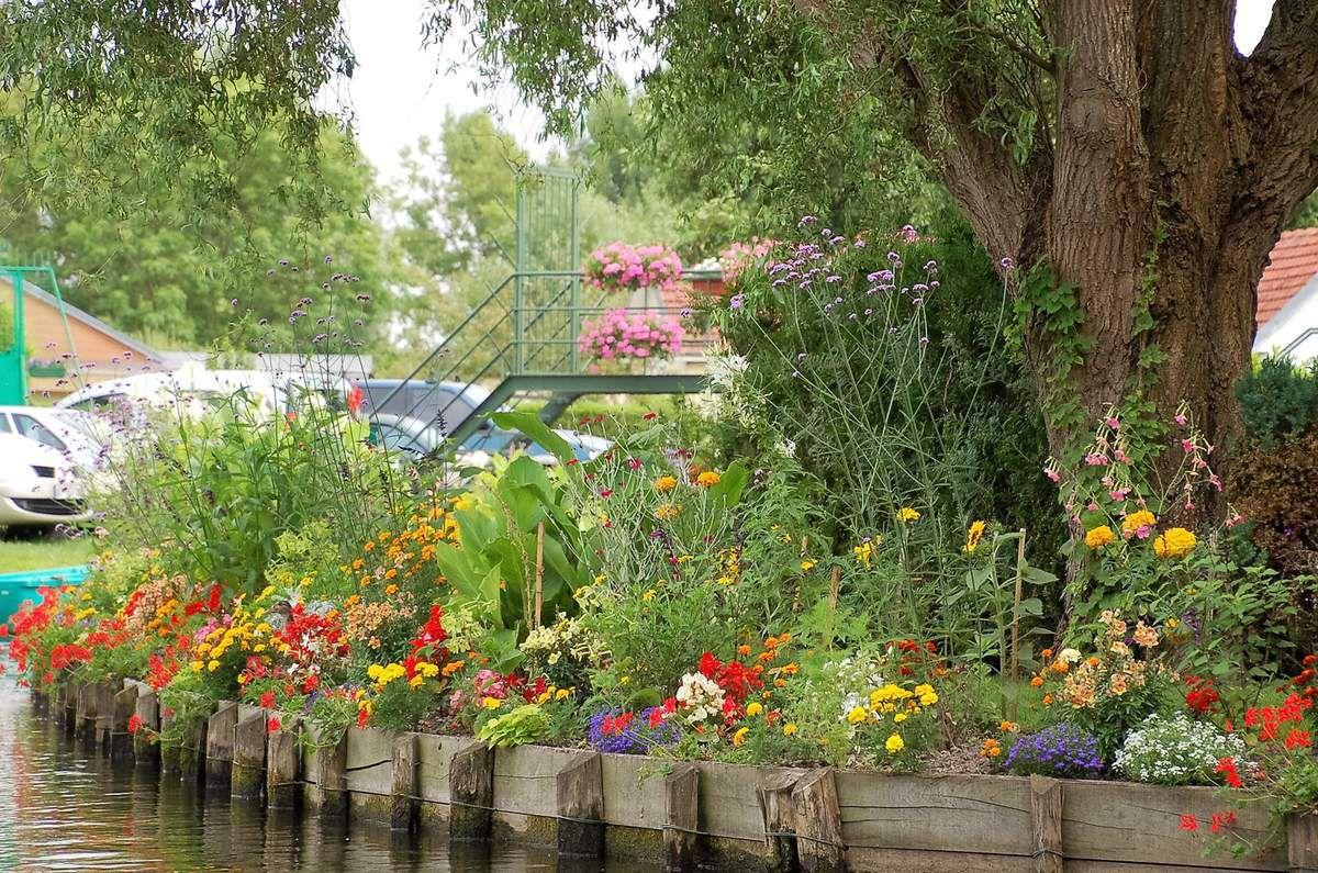 Amiens, les canaux de l'hortillonnage