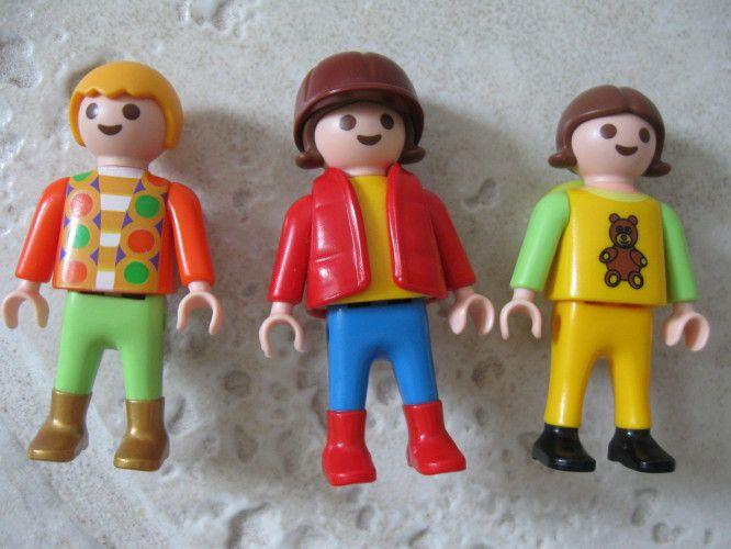 Trop grandes pour jouer aux playmobils? Embrochez-les!!