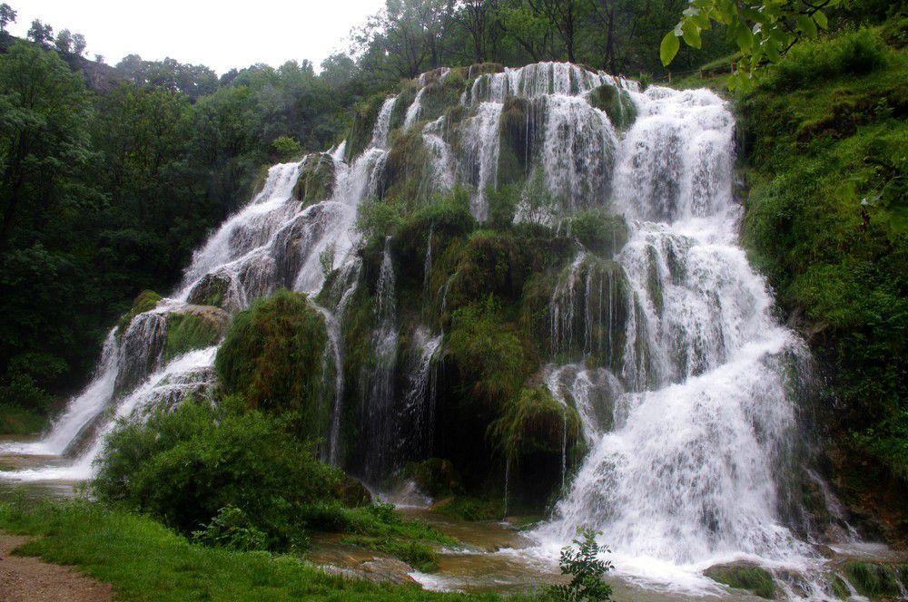 Jura - Cascade de Baume-les-Messieurs