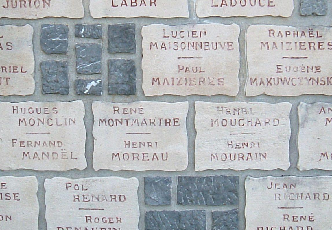 Noms gravés sur la pierre, murs de Berthaucourt