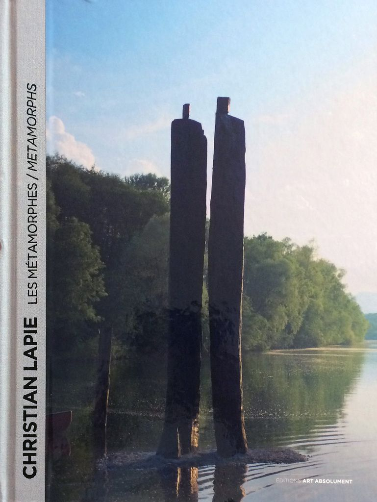 Publication d'un texte dans la nouvelle monographie de &quot&#x3B;Christian Lapie. Les Métamorphes&quot&#x3B; : &quot&#x3B;Le dessin pour évoquer&quot&#x3B;, Editions Art Absolument, juin 2016...