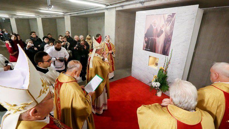 Père Honorat Kozminski est présent au Panthéon de grands Polonais.