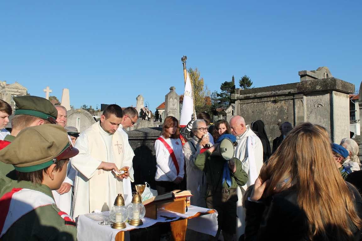 La Toussaint au cimetière polonais de Montmorency