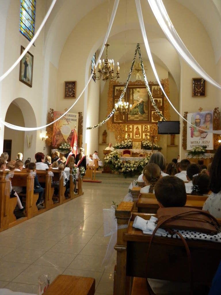 l'église paroissiale à Skomielna