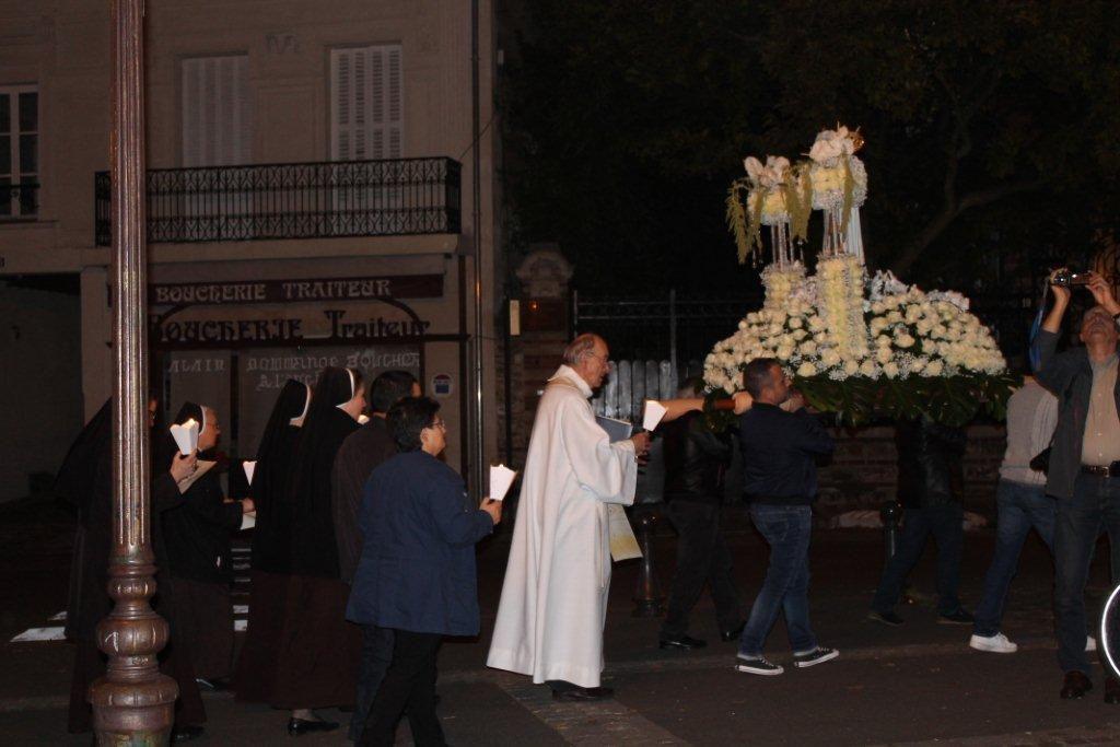 La procession en l'honneur de N.D de Fatima à Deuil la Barre