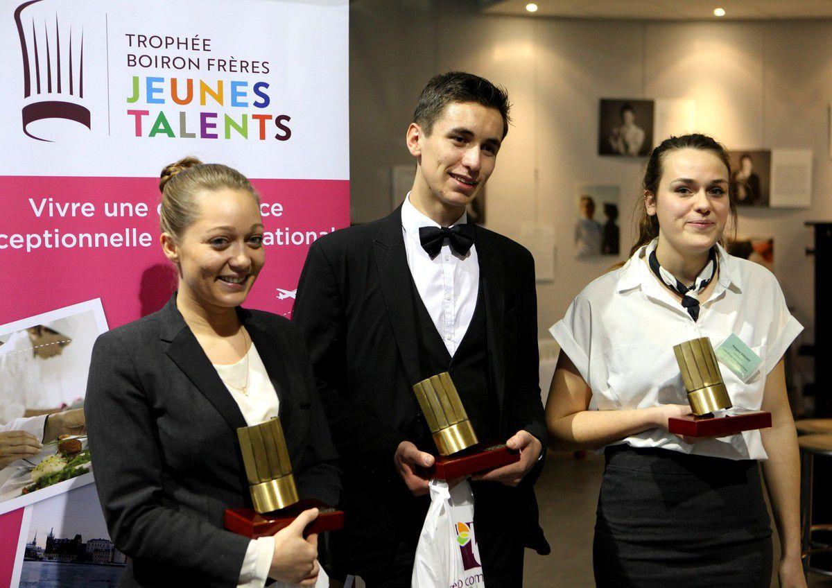 Marie Fourmont, Damien Rousset et Margaux Bréhier lauréats de cette édition 2017 du Trophée Jeunes talents.  © Jean Bernard