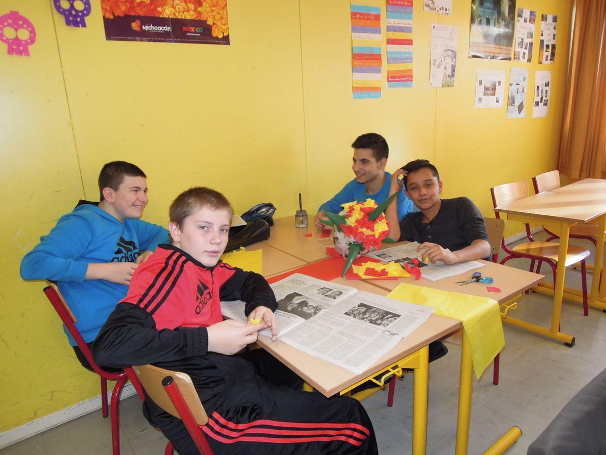 Fabrication de piñatas en Classe Euro d'Espagnol !
