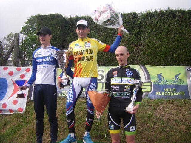 Cyrille Noël  devient vice-champion de Normandie élite à St Manvieu Bocage (14)
