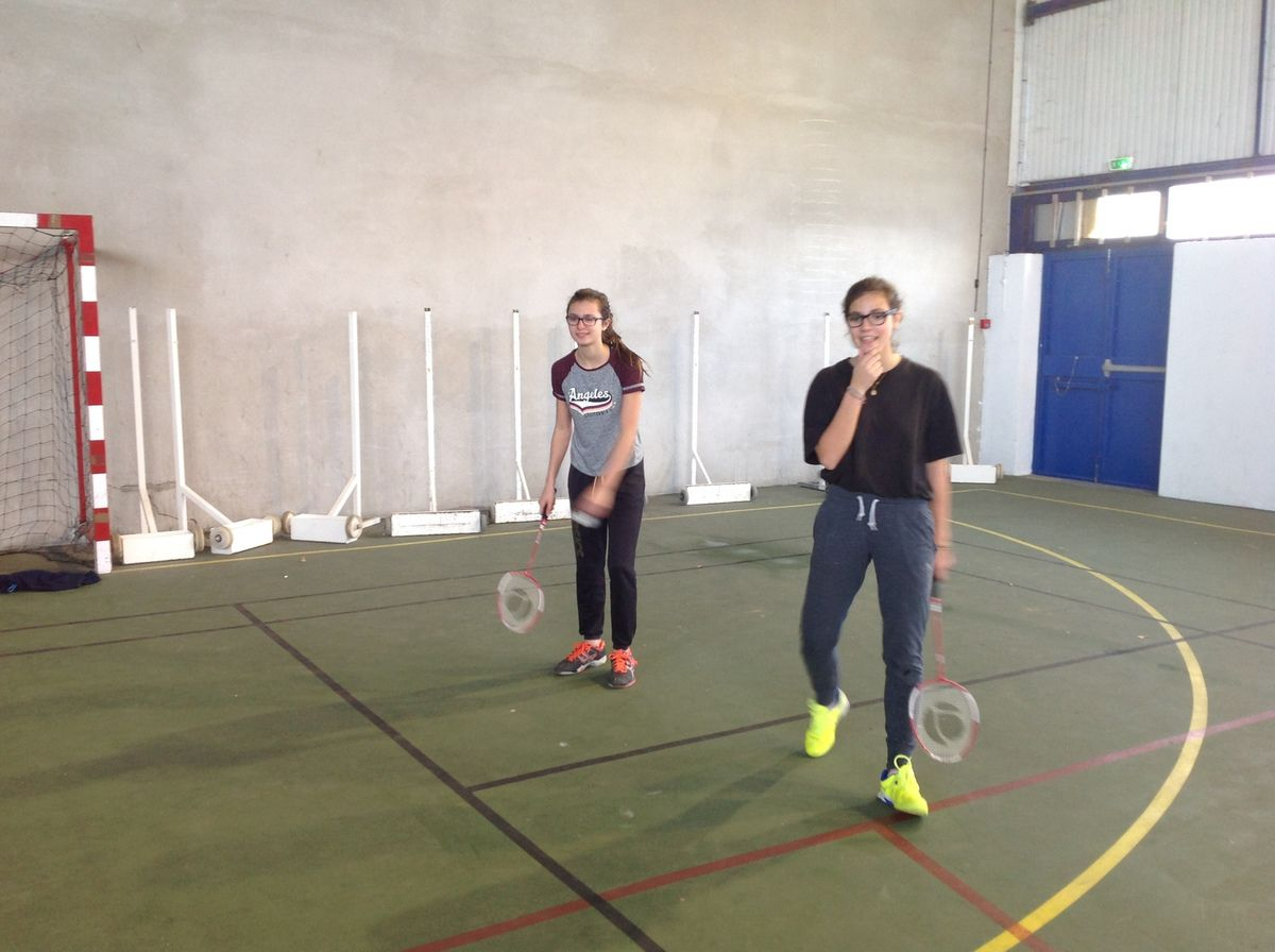 badminton à l'association sportive