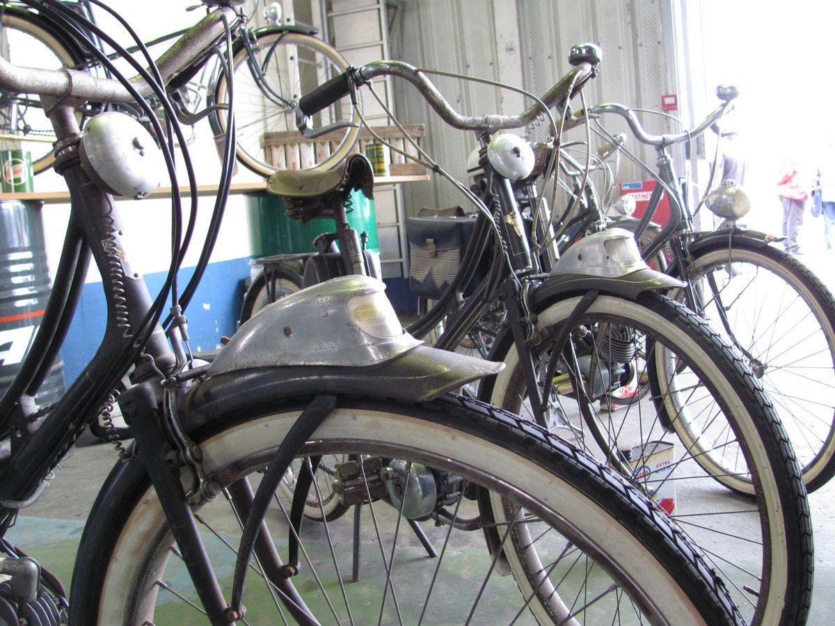 Phare look locomotive U S A .....levier de freins  façon  INDIAN .....flancs blancs comme Harley Davidson .