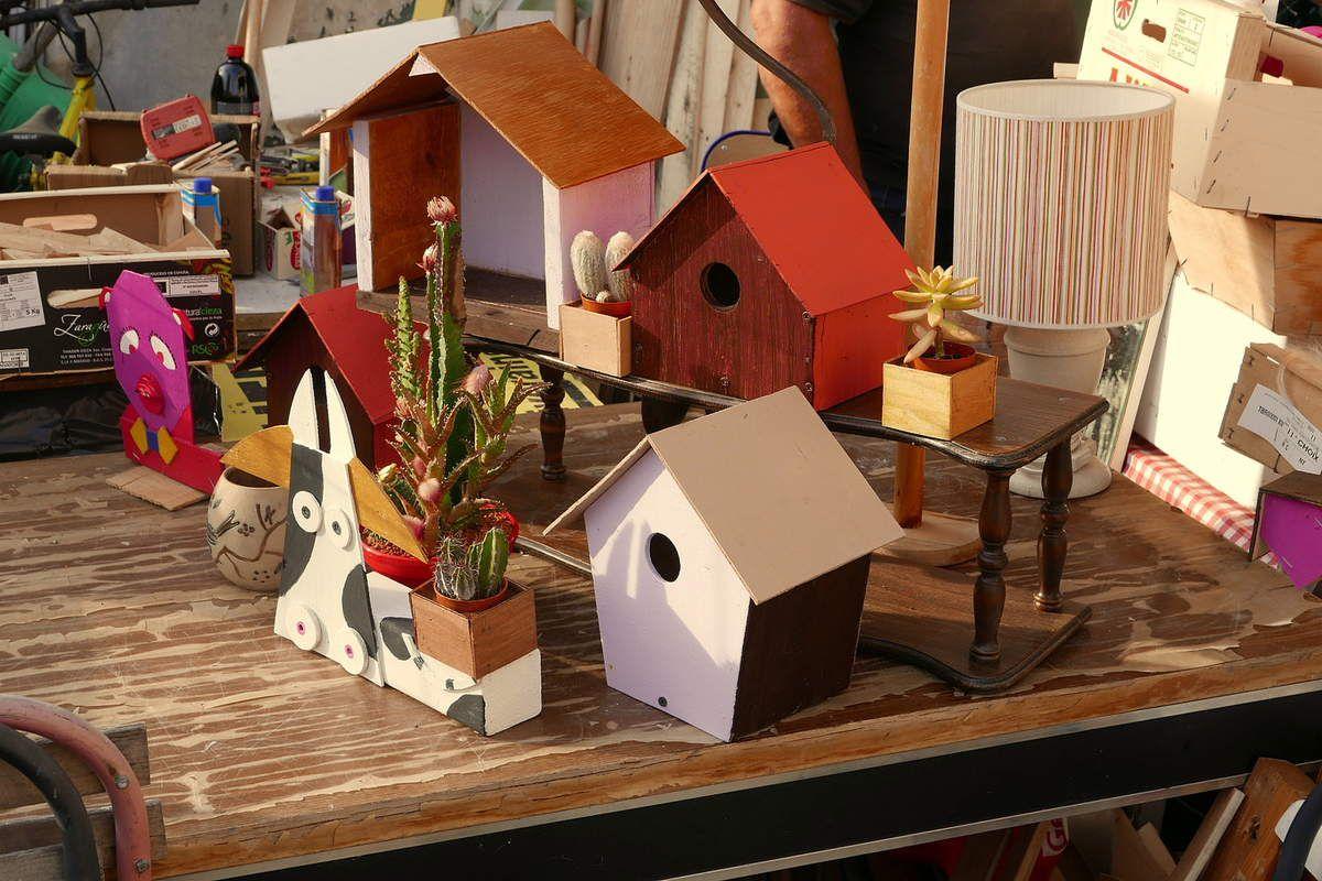 """et un peu partout vous trouvez de la déco de jardin de """"fabrication maison""""..."""