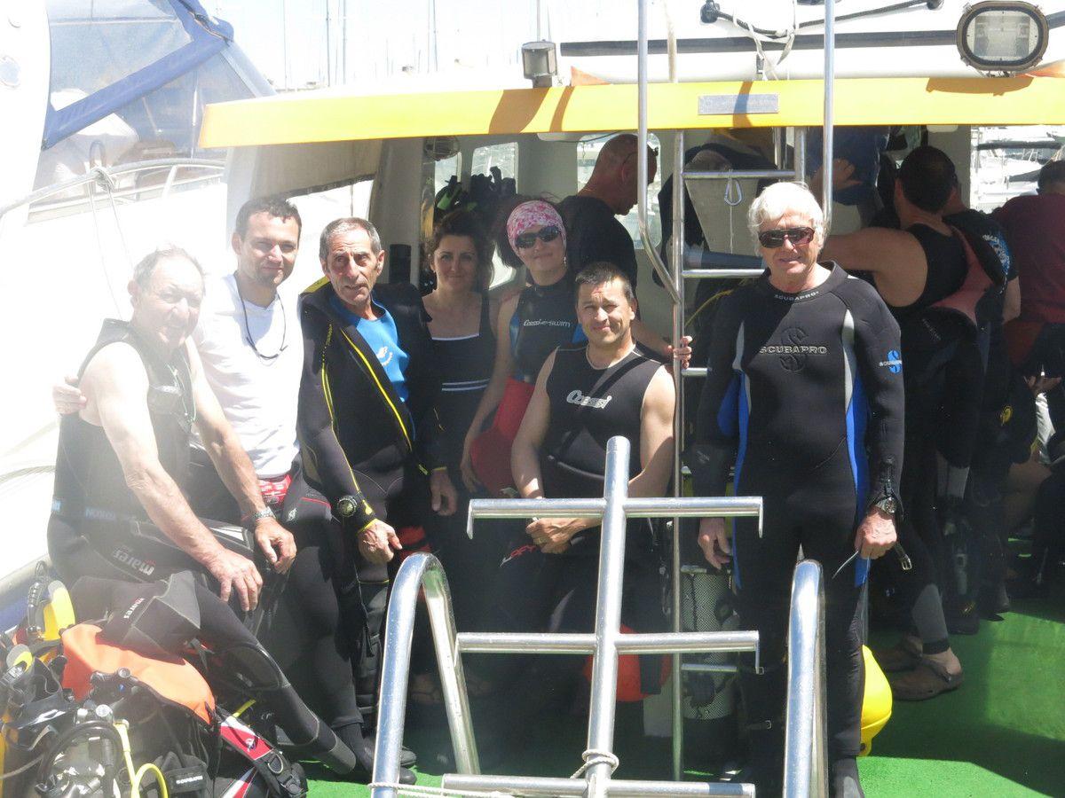 de droite à gauche: Edgar, Thibaut, Guy, Geneviève, Maryline, Stéphane et Roland